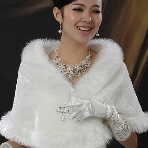 Ivory White Faux Fur Bolero Bridesmaid Shrug Wedding Steal Jacket